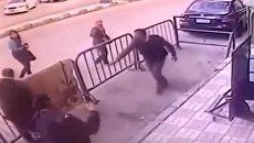 В Египте мужчина спас ребенка. Видео