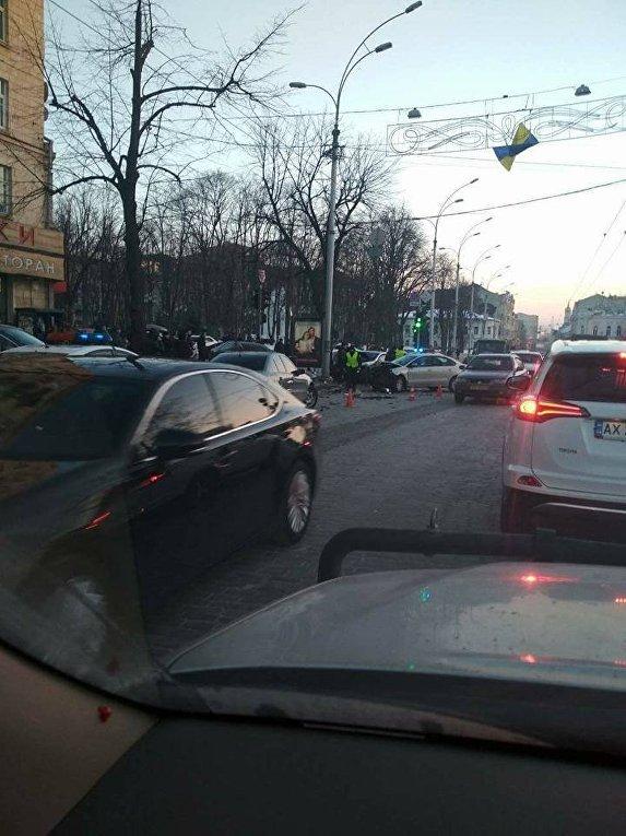 В центре Харькова произошло масштабное ДТП