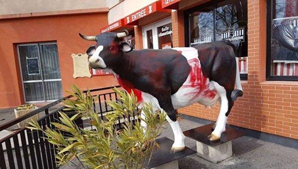 Мясной ресторан La Boucherie во французском Гренобле, на который напал неизвестный