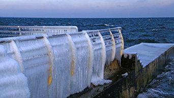 Одесский Ланжерон сковало льдом