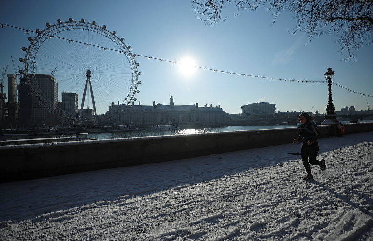Лондон накрыли снегопады