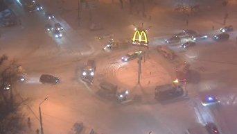 В Одессе устроили дискотеку на снегоуборочных машинах