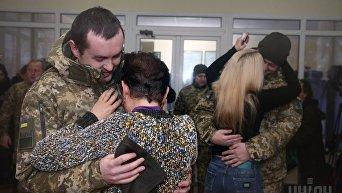 Встреча освобожденных пограничников Игоря Дзюбака и Богдана Марцоня в Киеве