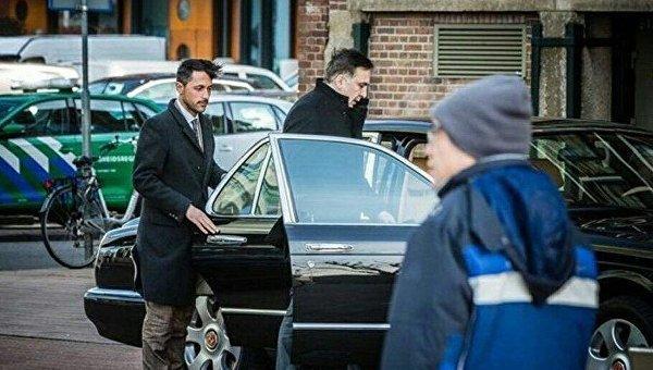 Михаил Саакашвили в Нидерландах ездит на Bentley