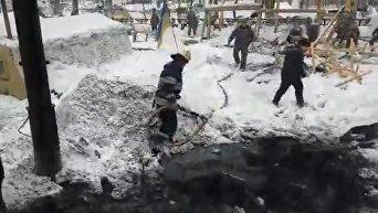Тушение пожара в палаточном городке под Радой