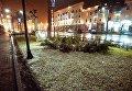 Снег на одной из улиц в Рустави.