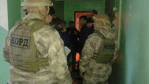 Украинские полицейские задержали трех человек по подозрению в поджоге офиса союза закарпатских венгров в Ужгороде