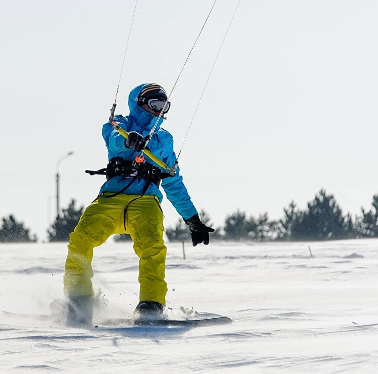 Одесские кайтсерферы покорили снежные волны