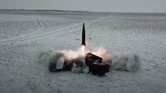 Запуск ракеты Искандер на учениях в России