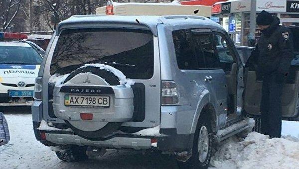Патрульные задержали женщину-водителя Mitsubishi Pajero в Харькове, находившуюся в алкогольном опьянении