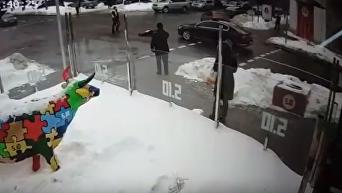 Кортеж Порошенко сбил пенсионера: камера зафиксировала момент ДТП. Видео