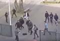В Нидерландах студенты отбились от мужчины c ножами. Видео