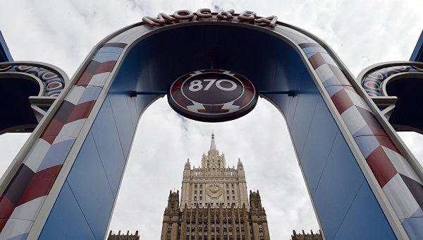 Завершение реконструкции шпиля здания МИД РФ