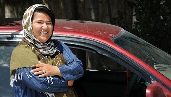 Сара Бахаи (Sara Bahaei) – первая женщина-таксист в Афганистане