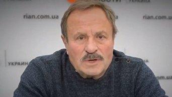 Владимир Быстряков поздравляет с 8 марта