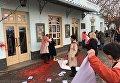 Участников акции по защите прав женщин облили краской в Ужгороде