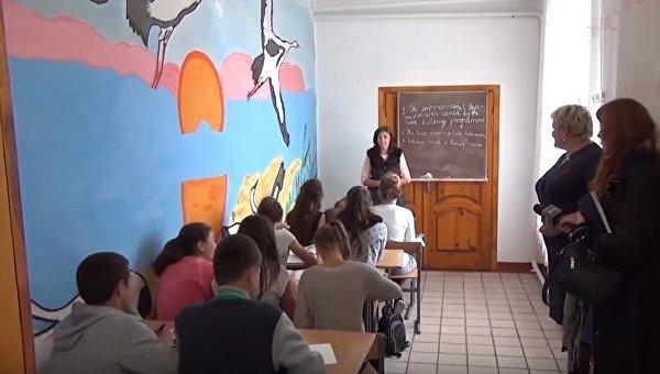 Сельская школа на Западе Украины. Архивное фото
