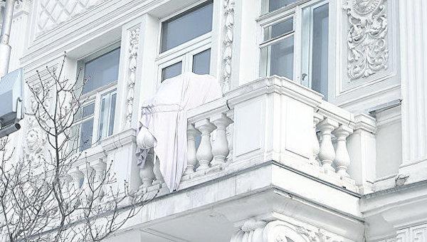 Ангел доброты. Украшал балкон второго этажа Национального музея Тараса Шевченко