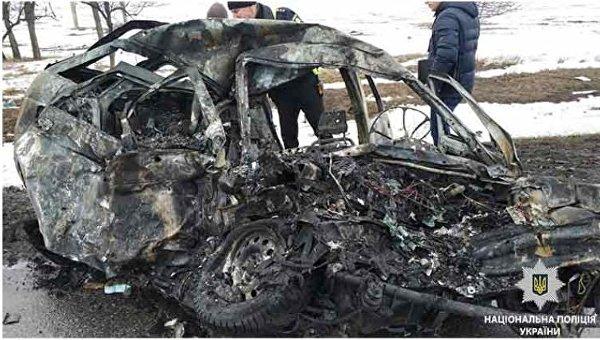 В лобовом ДТП в Днепропетровской области погибли четверо