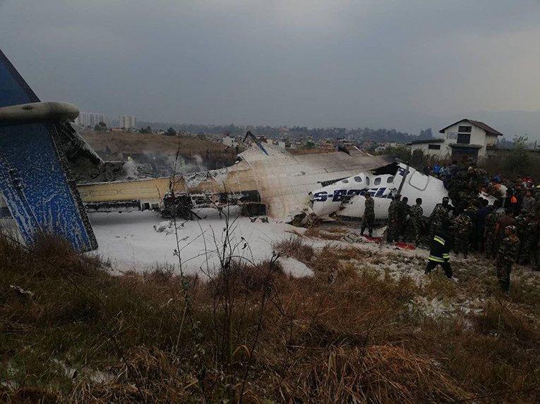 В Катманду разбился пассажирский самолет