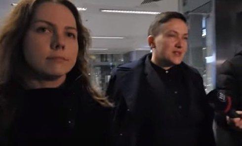 Вера и Надежда Савченко в аэропорту Борисполь. Видео