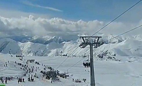 На горнолыжном курорте Грузии Гудаури вышла из строя канатная дорога