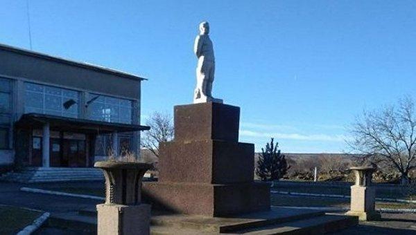 Памятник Кирову в Одесской области