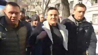Савченко проводили в управление СБУ