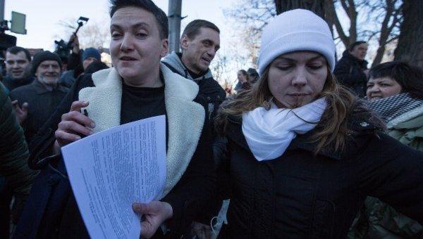 Втюрьму либо впрезиденты? Надежду Савченко лишили депутатской неприкосновенности