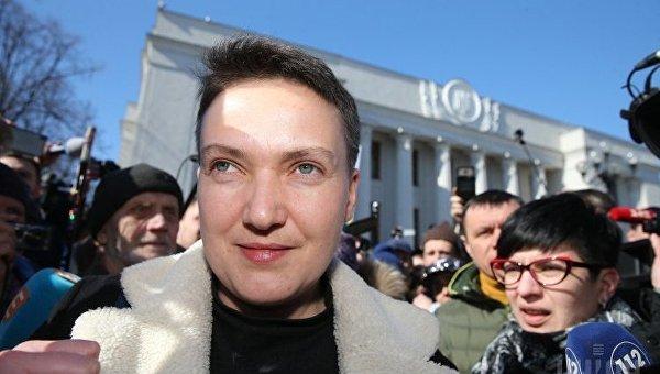 Надежда Савченко в сопровождении следователя отправляется в управление СБУ