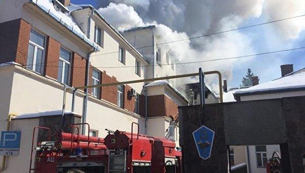 Пожар в здании транспортного колледжа в Черновцах