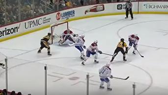 Канадский хоккеист забил чудо-шайбу. Видео