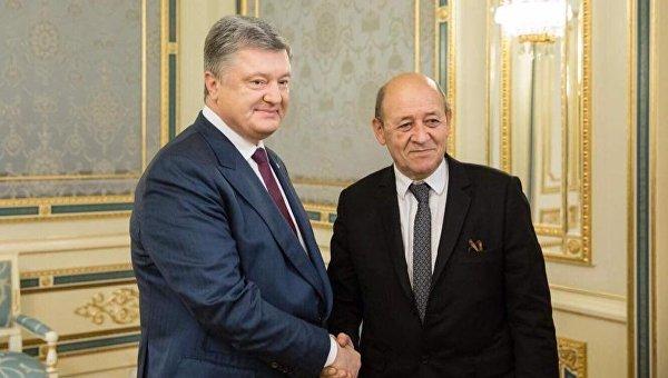 Петр Порошенко и Жан-Ив Ле Дриан