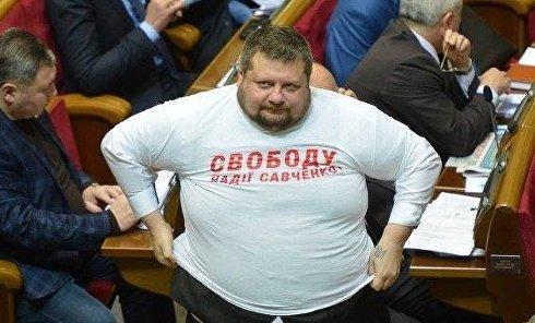 Радикал Игорь Мосийчук до похудения в футболке за Савченко