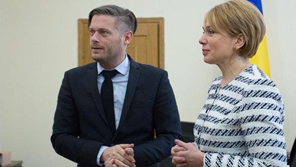 Вице-президент Lego Foundation Каспер Оттоссон Канструп и министр образования Украины Лилия Гриневич