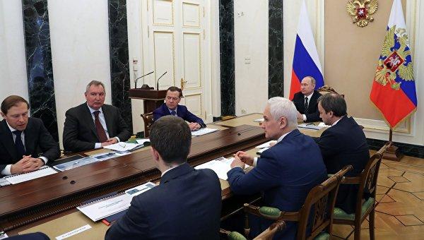 Президент РФ Владимир Путин провел совещание о перспективах развития микроэлектроники