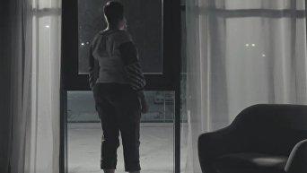 Савченко сняла с себя вышиванку. Видео