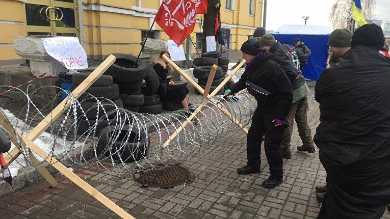 «Братство» Корчинского пикетирует канал ZIK, «чтобы недостался Москве»