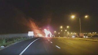 В Таиланде загорелся автобус