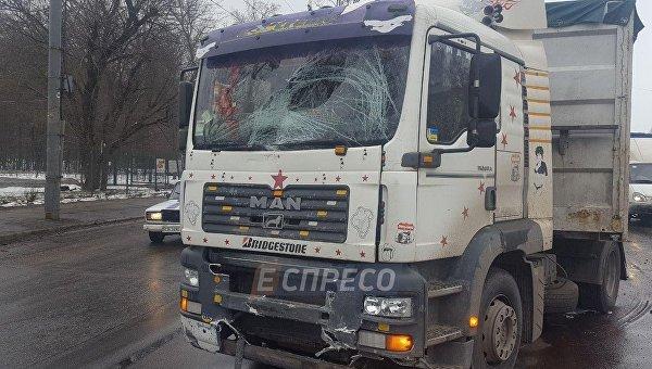 В Киеве произошло тройное ДТП с участием авто инкассаторов