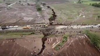 Гигантская трещина в земле в Кении. Видео