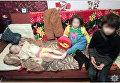 В Мариуполе мать на трое суток закрыла в квартире маленьких детей