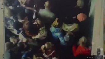 Опубликовано полное видео пожара и давки в ТЦ в Кемерово