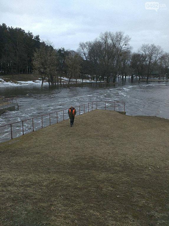 В Чернигове разлился Стрижень. Затоплены частные дома