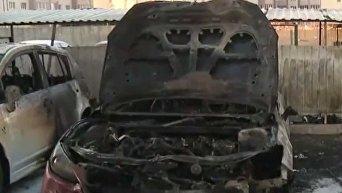 Пять автомобилей сгорели ночью 3 апреля в Киеве в районе Софиевская Борщаговка