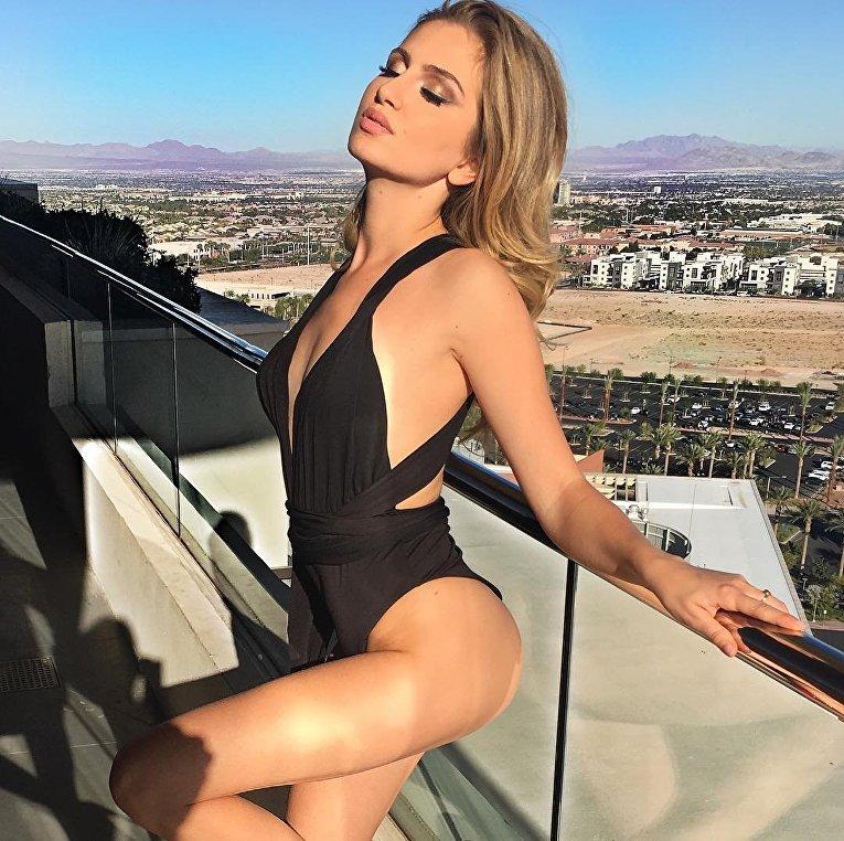 Сексуальная блондинка киев
