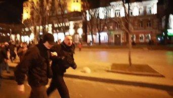 Драка под Печерским судом в Киеве. Видео