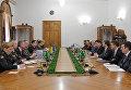 Министр обороны Украины Степан Полторак провел встречу в Киеве с делегацией сената США во главе с Робертом Портманом