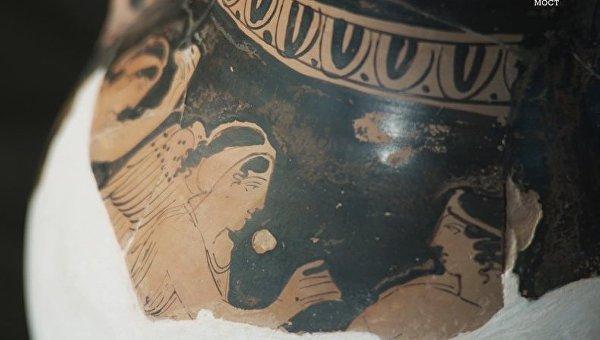В районе строительства Керченского моста нашли античную чернолаковую керамику