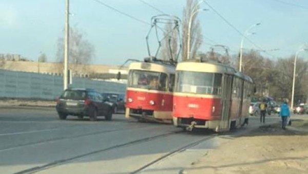 У киевского трамвая отвалились рога для соединения с контактной сетью